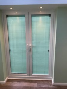 Privacy blinds for doors